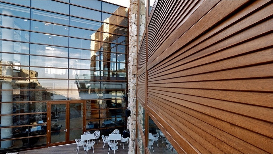 Curtain Walls in laminated oak